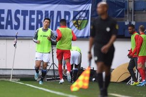 Văn Hậu dự bị trong chiến thắng sân nhà đầu tiên của Heerenveen