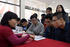 Thêm sáu trường đại học phải dừng cấp chứng chỉ Tin học, Ngoại ngữ