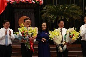 Ông Hà Phước Thắng và Đặng Minh Đạt được bầu làm ủy viên UBND TP HCM
