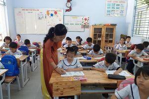 Giáo viên dạy lớp Một, nỗi vất vả khó nói thành lời