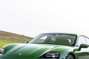 Cận cảnh quá trình sản xuất, lắp ráp siêu xe Porsche Taycan dành cho các tín đồ