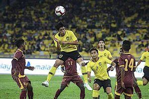 'Xệ cánh', Malaysia vẫn thắng đậm Sri Lanka trước khi sang VN