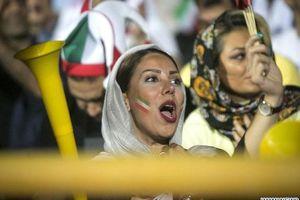 Vé bán cho phụ nữ Iran xem đội nhà gặp Campuchia hết vèo