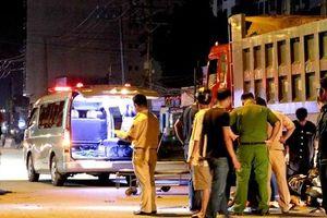 Hiện trường xe máy tông xe ben đậu bên đường, 1 người tử vong