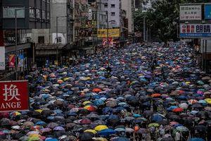 Biểu tình bạo lực ở Hong Kong, Trung Quốc sẽ vào cuộc?