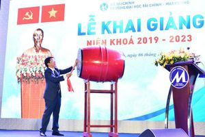 Trường ĐH Tài chính - Marketing tổ chức lễ khai giảng cho hơn 5.000 tân sinh viên