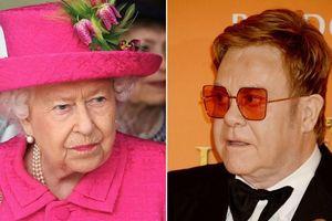 Elton John tận mắt chứng kiến nữ hoàng Elizabeth II tát vào mặt cháu trai