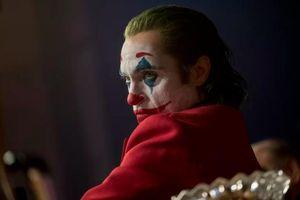 'Joker' vẫn thắng lớn bất chấp nỗi lo phim kích động bạo lực