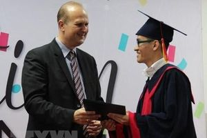 Bộ Giáo dục nói gì về dự định bỏ ghi xếp loại trên bằng đại học?