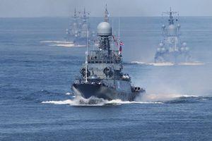 Chiến hạm Anh bám sát nhóm tàu Hải quân Nga