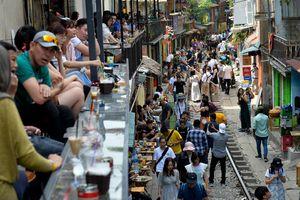 Bộ Văn hóa: Cà phê đường tàu là du lịch tự phát, cần dẹp bỏ