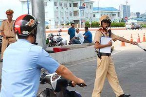 Đang lấy ý kiến về quyền dừng xe kiểm tra của cảnh sát giao thông