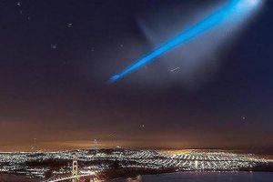 Phi công dân sự phát hiện vụ phóng tên lửa đạn đạo D5 Trident II