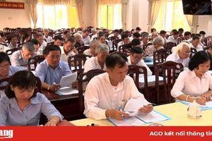 Huyện ủy Phú Tân họp mặt chức sắc, chức việc các tôn giáo