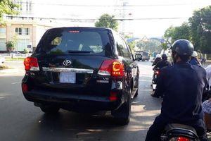 1 cán bộ ở Cao Bằng được tặng ô tô trị giá hơn 3,7 tỉ đồng