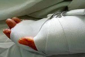 Nạn nhân bị chém gần lìa tay ở TP.HCM đã tử vong