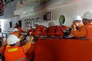 Tàu chạy hết tốc độ để cứu người bị cáp cuốn đứt lìa 2 chân
