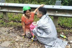 Người bố trẻ kể lại việc giúp vợ 'vượt cạn' bên lề đường giữa trời mưa