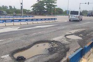 Bộ GTVT yêu cầu xử lý dứt điểm hư hỏng tại nút giao Túy Loan thuộc cao tốc Đà Nẵng - Quảng Ngãi trước ngày 15/10