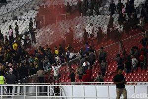 Nộp phạt gần 1 tỷ đồng, Indonesia thoát án treo sân trận gặp Việt Nam