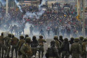 Ecuador: Tạm đóng cửa trường học, áp dụng lệnh giới nghiêm