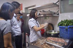 Hà Nội: Trên 2.400 cơ sở thực phẩm bị xử phạt