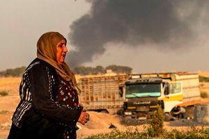 Dân thường hoảng loạn bỏ chạy sau khi Thổ Nhĩ Kỳ tấn công vào Syria