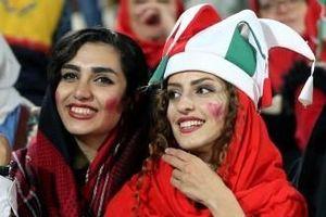 Phụ nữ Iran được phép đi xem bóng đá sau hàng chục năm
