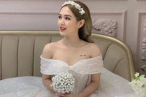 Bạn gái 17 tuổi của 'streamer rich kid' Xemesis khoe mặc váy cô dâu