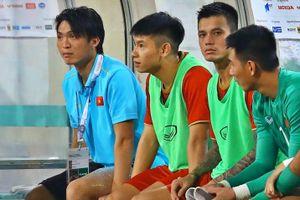 Tuấn Anh dính chấn thương sau 45 phút thi đấu trước Malaysia