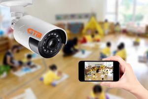 Camera và chuẩn mực học đường