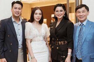 Linh Rin chính thức gặp cha mẹ thiếu gia Phillip Nguyễn