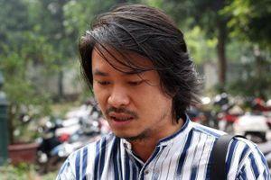 Hoãn phiên tòa giữa Việt Tú và Tuần Châu, đạo diễn Hoàng Nhật Nam bật khóc