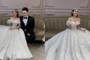 Hé lộ ảnh cưới chụp vội của streamer 'giàu nhất Việt Nam' và bạn gái kém 13 tuổi
