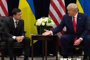 Tổng thống Ukraine khẳng định không bị người đồng cấp Mỹ hăm dọa
