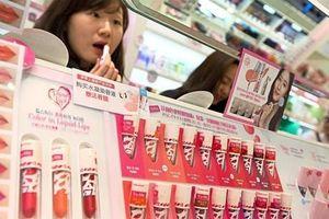 Khách hàng trực tuyến ưa chuộng sản phẩm làm đẹp của Hàn Quốc