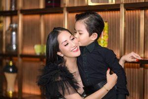 Tình cảm ấm áp của gia đình Khánh Thi – Phan Hiển