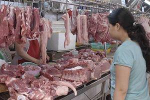 Giá thịt lợn tăng mạnh tại chợ và siêu thị