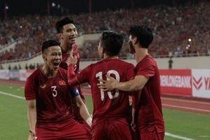 Quang Hải lập siêu phẩm, Việt Nam đè bẹp Malaysia