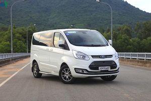 Hình ảnh chi tiết Ford Tourneo giá hơn 1 tỷ đồng