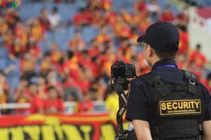 'Độc chiêu' loại bỏ pháo sáng trên sân Mỹ Đình trận Việt Nam-Malaysia