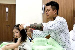 Fan lo lắng khi Tuấn Hưng tiếp tục nhập viện vì mắc thêm bệnh khác