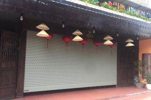 Hàng quán đường tàu bị dẹp, chủ kinh doanh 'khóc ròng' vì mất vốn