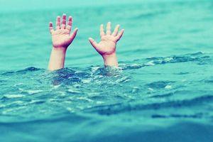 Thái Bình: Trượt chân ngã xuống sông, 2 nữ sinh đuối nước tử vong