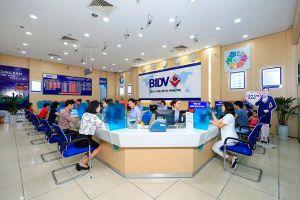 Vì sao 17 ngân hàng Việt có thể bị Moody's hạ xếp hạng tín nhiệm