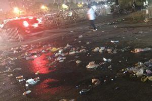 Cổ động viên để lại rác ở SVĐ Mỹ Đình sau trận Việt Nam - Malaysia