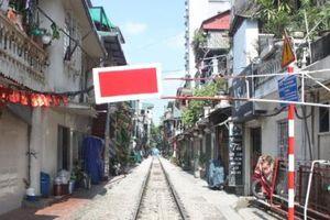Hà Nội: Lập lại trật tự, an toàn giao thông tại phố cà phê đường tàu