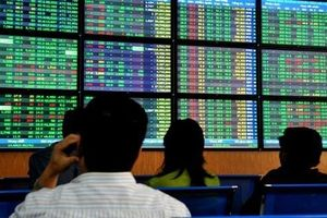 Thị trường chứng khoán vượt mục tiêu 70% GDP