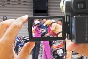 Người dân được quyền giám sát CSGT thông qua thiết bị ghi âm, ghi hình