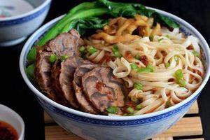 Trời lạnh làm bát mỳ bò Đài Loan tê cay ăn đã đời